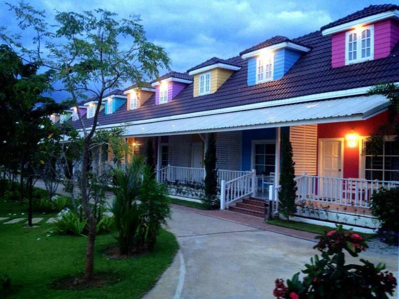 โรงแรมเชียงคานบุรี เลย (Hotel Chiangkhanburi Loei) (1)