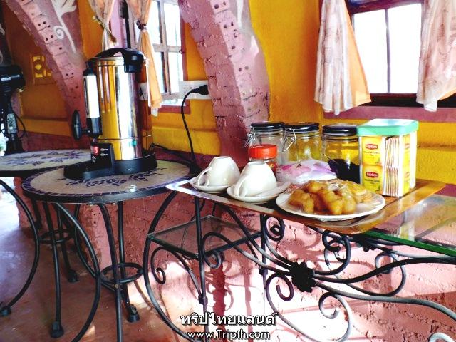 ชา กาแฟ โอวัลติน ปลาท่องโก๋ หรือขนมปังเลือกเอาเลย