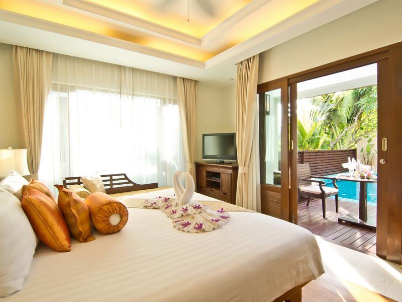 ราวินทรา บีช รีสอร์ท แอนด์ สปา (Ravindra Beach Resort & Spa)
