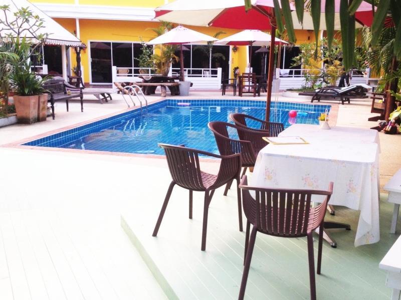 วิวคริส รีสอร์ท (Willkris Resort)