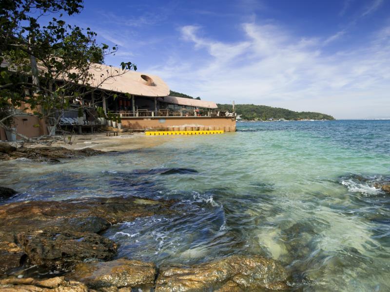 บาร์ แอนด์ เบด รีสอร์ท (Bar and Bed Resort)