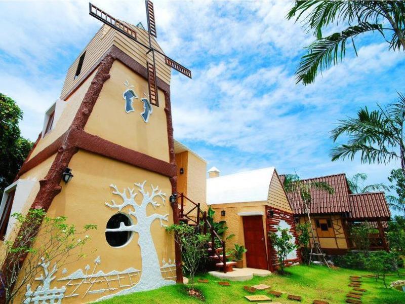 บูม บูม รีสอร์ท (Boom Boom Resort)