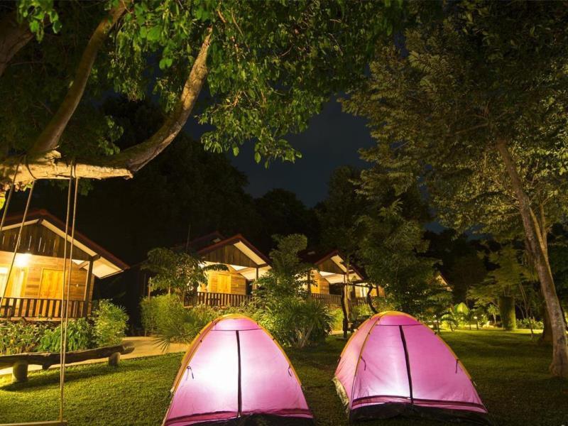 บ้านชม เสม็ด รีสอร์ท (Ban Chom Samed Resort)