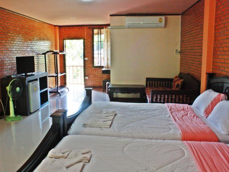 บ้านริมเขา เขาใหญ่ รีสอร์ท (Bannrimkhao Khao Yai Resort)