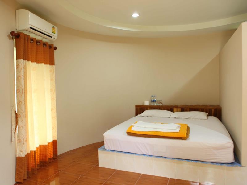 บ้านสวนจันทร์ รีสอร์ท (Baansuanchan Resort)