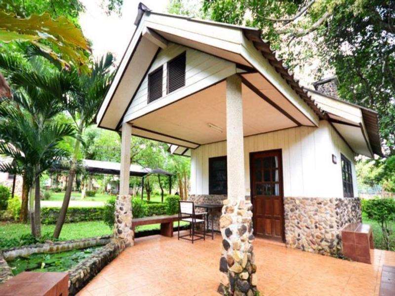 บ้านสวนนก (Bann Suan Nok Resort)