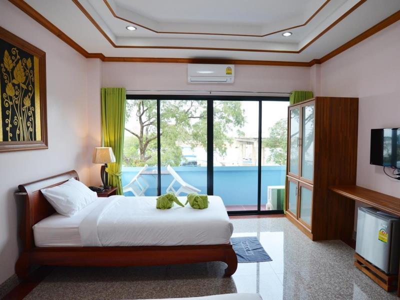 บ้านเรือ รีสอร์ท (Baan Rua Resort)