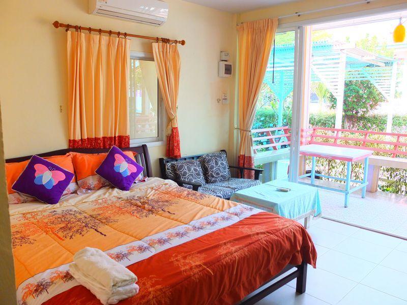 บ้าน โคโค่นัท แอท เกาะ ล้าน (Baan Coconut At Koh Larn)