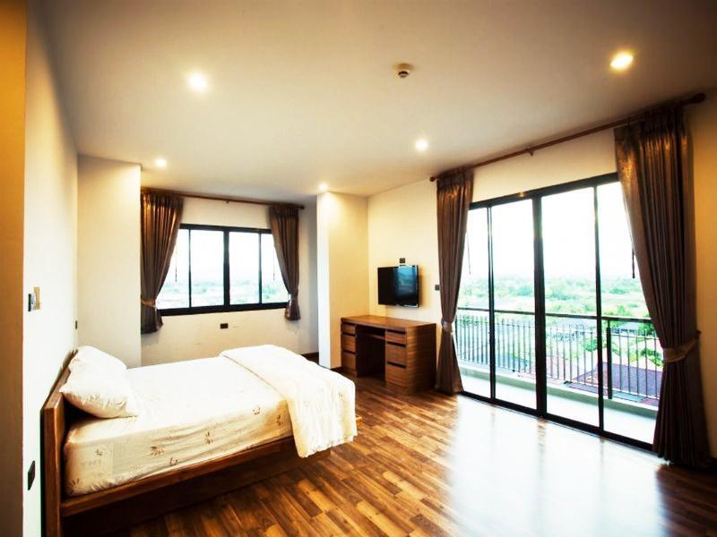ฟ้าไทย เรสซิเดนซ์ (Farthai Residence)