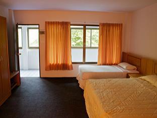 สีชัง ชายเขา รีสอร์ท (Sichang Shine Khao Resort)