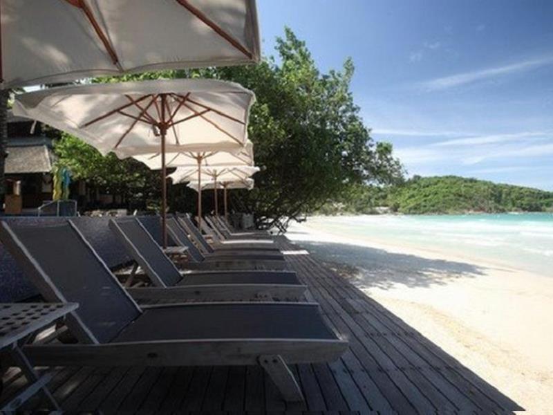 อ่าวพร้าว รีสอร์ท (Ao Prao Resort)