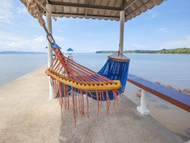 เกาะหมาก บุรีฮัท เนเชอรัล รีสอร์ท (Koh Mak Buri Hut Natural Resort)