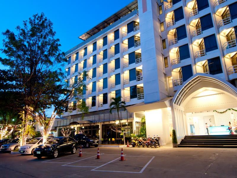 แซนดาเลย์ รีสอร์ท (Sandalay Resort Pattaya)