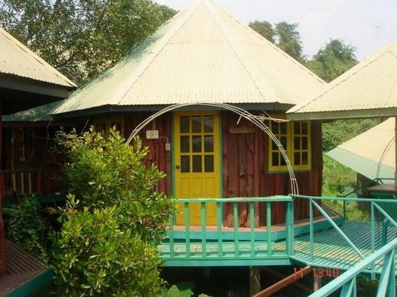 แซมส์ เฮาส์ เกสท์เฮาส์ (Sam's House Guesthouse)