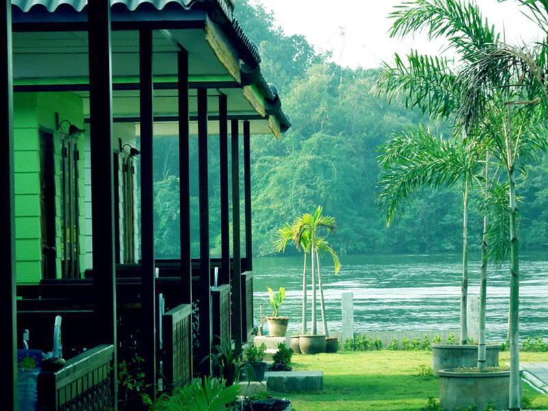 แบมบูยา รีสอร์ท (Bambooya Resort)