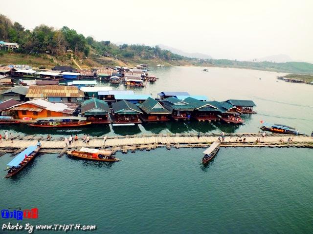 แพที่พักบนแม่น้ำซองกาเลีย