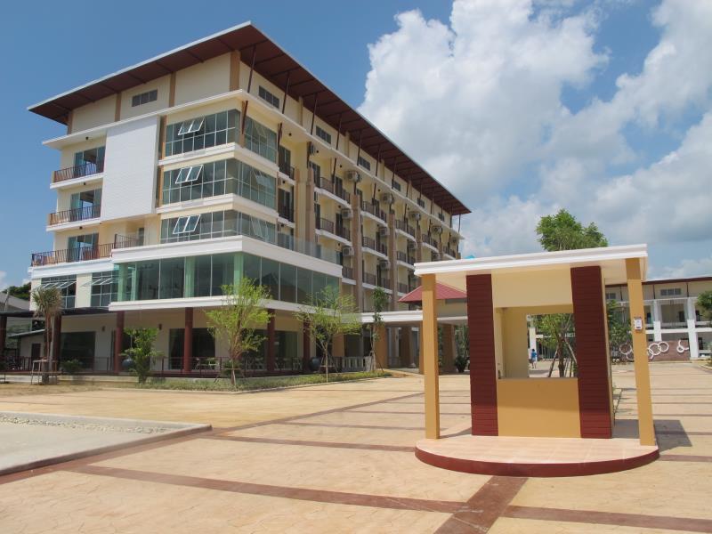 โรงแรมกนกกาญจน์ (Kanokan Hotel)