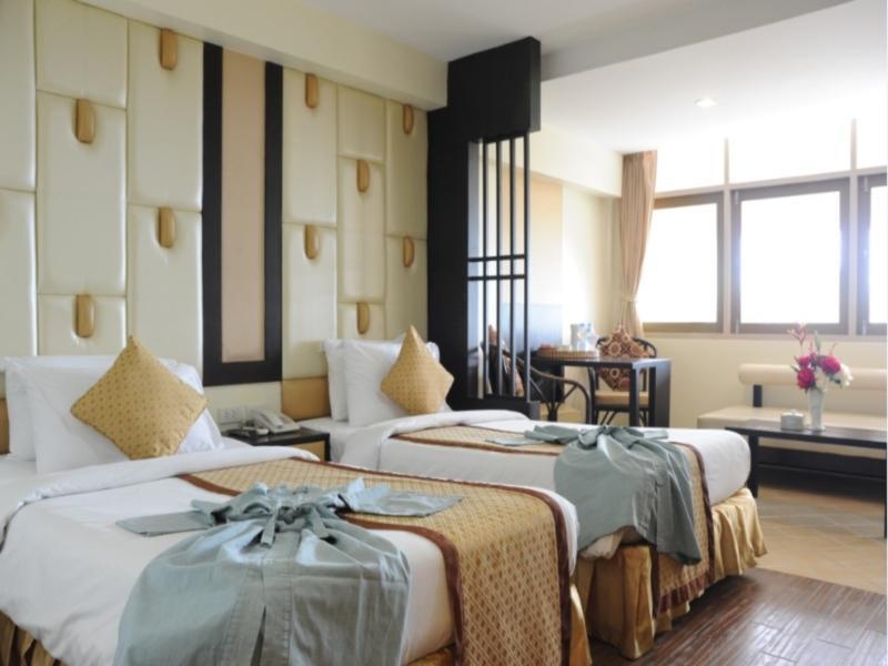 โรงแรมบางแสน วิลลา (Bangsaen Villa Hotel)
