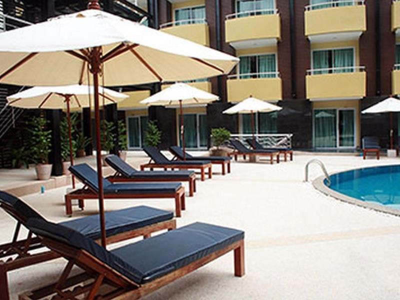 โรงแรมบารอน บีช (Baron Beach Hotel)