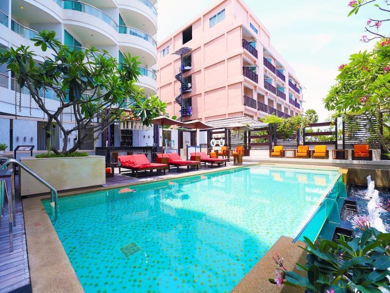 โรงแรมพัทยา ซีวิว (Pattaya Sea View Hotel)
