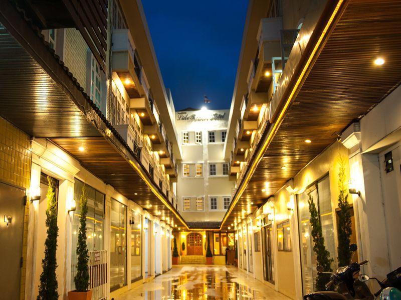 โรงแรมลิโด้บีช (Lido Beach Hotel)