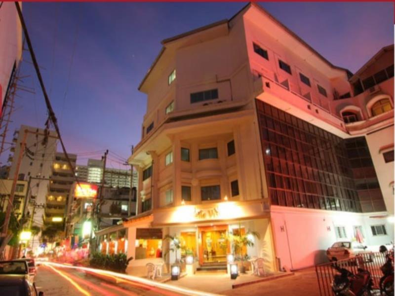 โรงแรมอีสตินี่ เบลลา วิสตา แอนด์ เรสซิเดนซ์ (Eastiny Bella Vista Hotel & Residence)