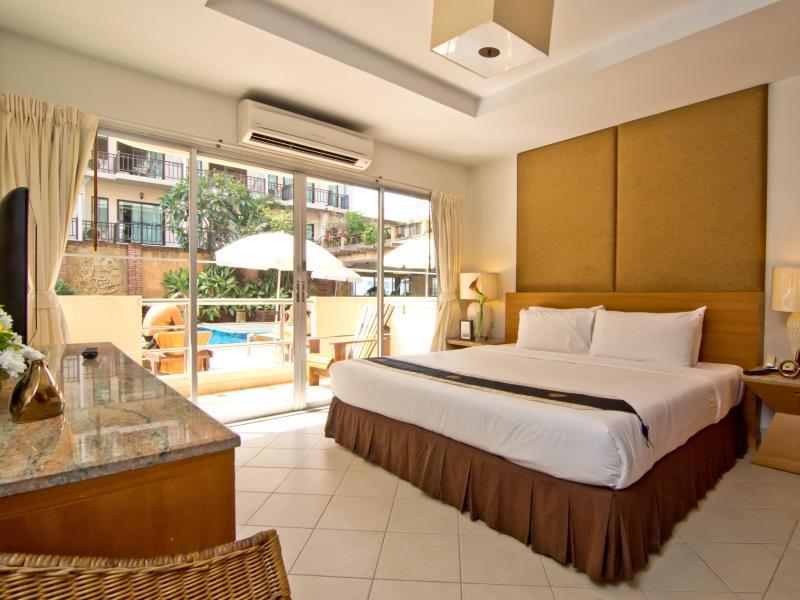 โรงแรมเบลลา วิลลา พริม่า (Bella Villa Prima Hotel)