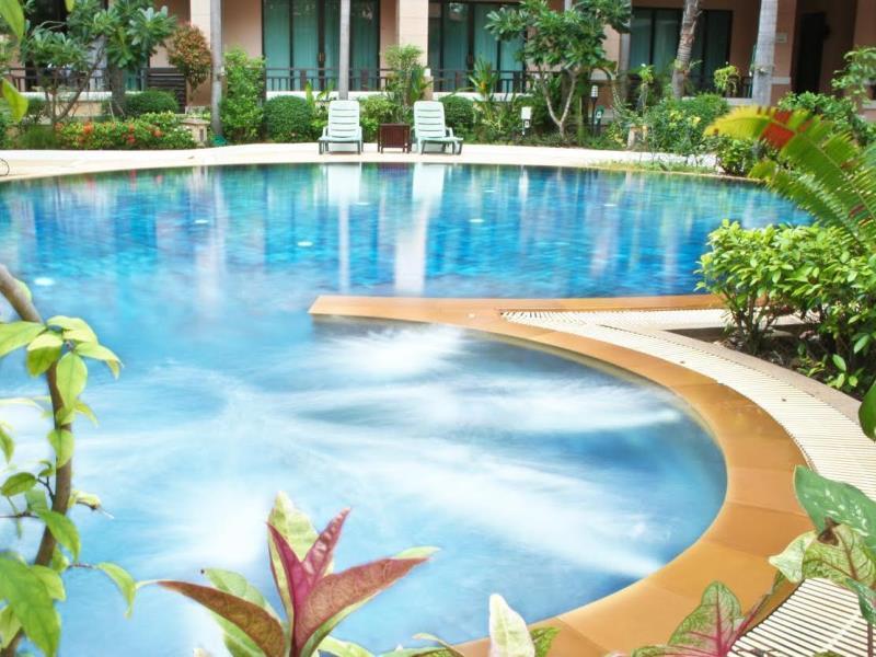 โรงแรมเลอ คาซ่า บางแสน (Le Casa Bang Saen Hotel)