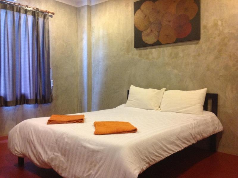 โรงแรมแฟ้บ (Fabb Hotel)