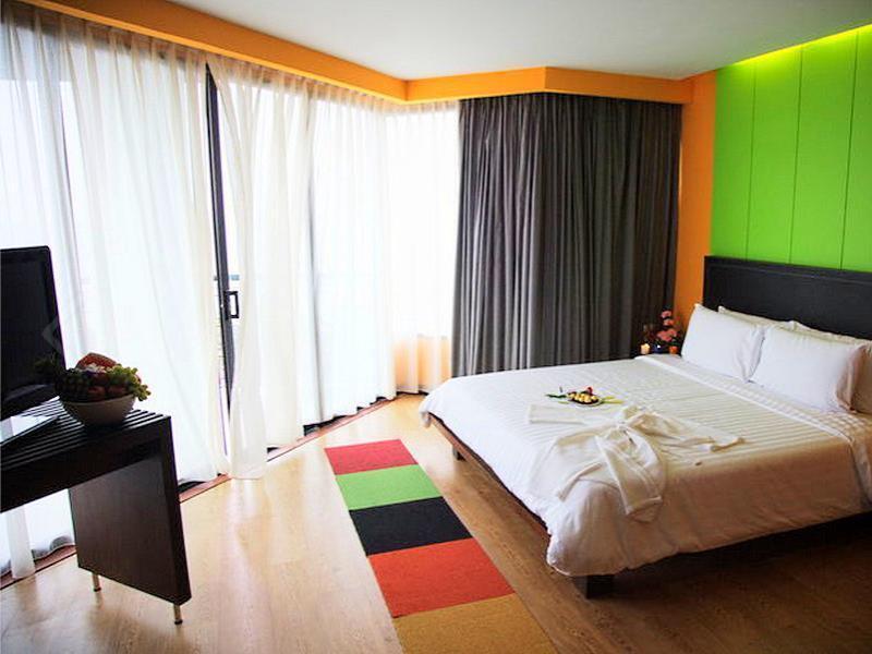 โรงแรม เดอะ เซส (The Sez Hotel)