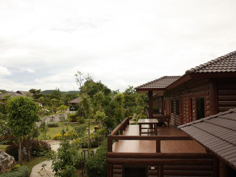 ไม้สวย รีสอร์ท (Maisuay Resort)