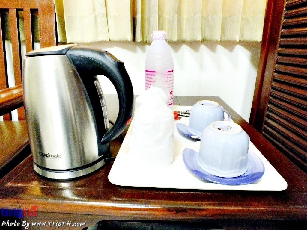 มีกาแฟ พร้อมเครื่องต้มน้ำ