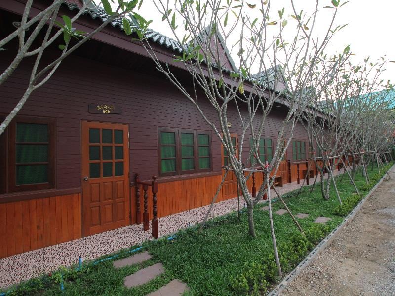 บ้านบ่อ รีสอร์ท กาญจนบุรี (Baanbor Resort Kanchanaburi)