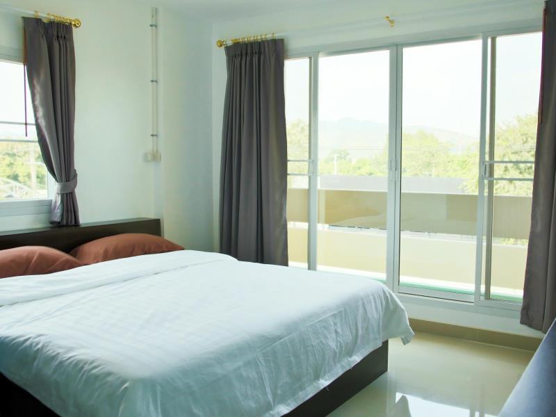 โรงแรมอยู่ดี รูม แอนด์ คอฟฟี (U Dee Room and Coffee Hotel)