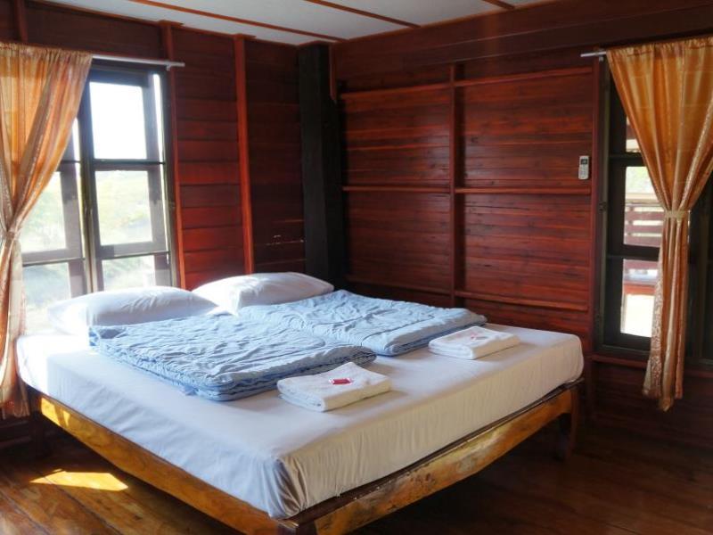 ขอนทอง รีสอร์ท (Khontong Resort)