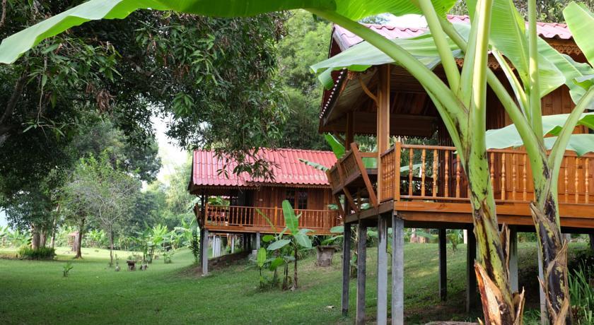 บุฮม แม่โขง รีสอร์ต (Buhom Mekong Resort)