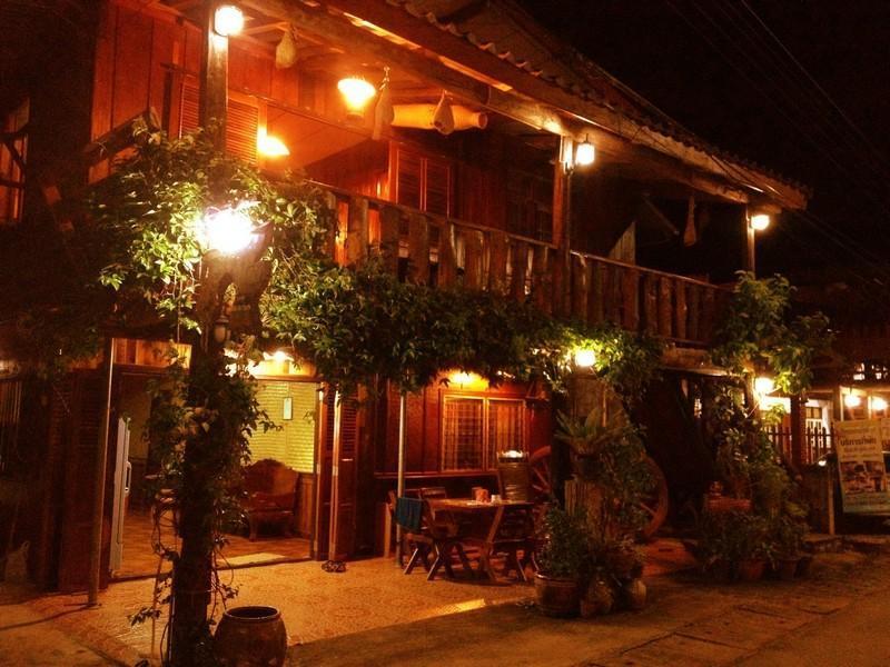 เฮือนนอน โชติกา (Huan Non Chotika Guest House)