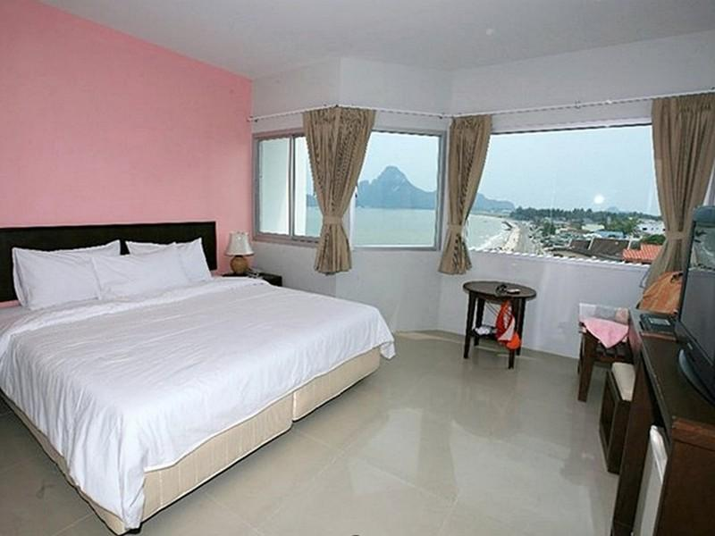 โรงแรมประจวบบีช (Prachuap Beach Hotel)