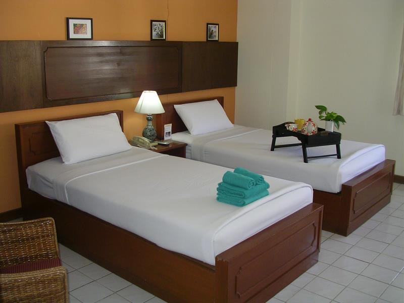 โรงแรมพีเพิล เพลซ 1