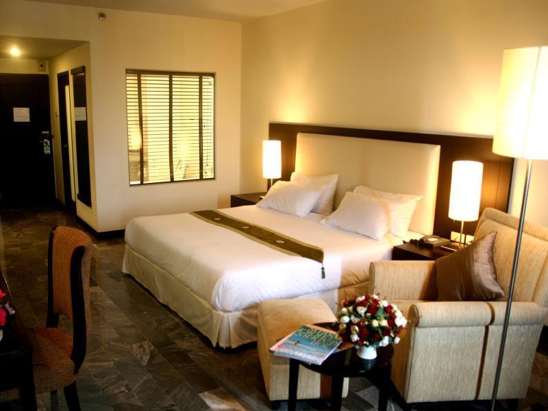 โรงแรมรอยัล ล้านนา