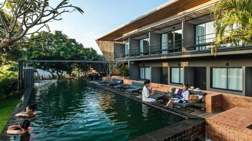 คูลดาวส์ รีสอร์ท (Cool downs Resort)