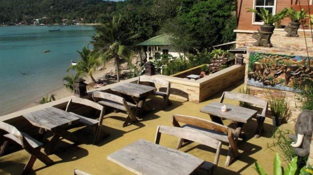 ตาโต๊ะ รีสอร์ท แอนด์ ฟรีดอม บีช รีสอร์ท (Taatoh Resort and Freedom Beach Resort)