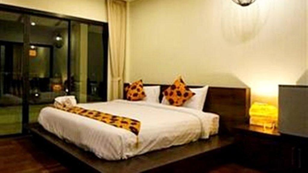 นารายา ริเวอร์ไซด์ รีสอร์ท (Naraya Riverside Resort)