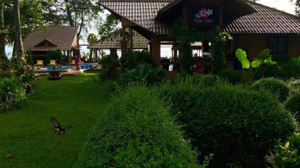 ฟลอร่า ไอทะเล รีสอร์ท (Flora I Talay Resort)