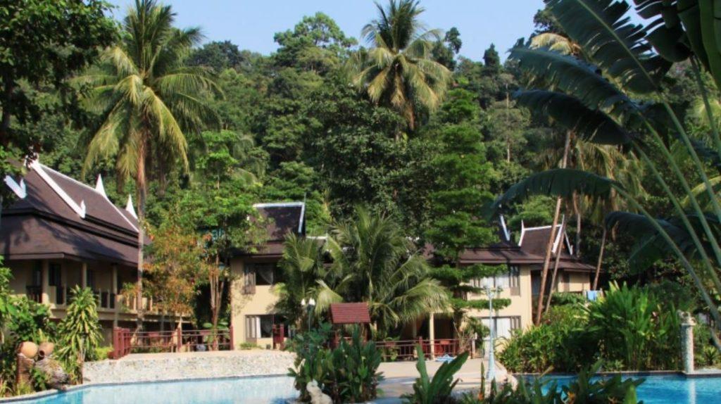 ภูมิยามา บีช รีสอร์ท (Bhumiyama Beach Resort)