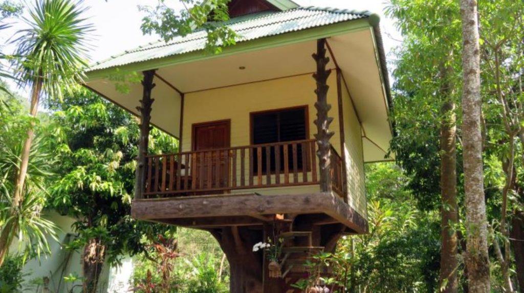 มาคูร่า รีสอร์ท (Macura Resort)