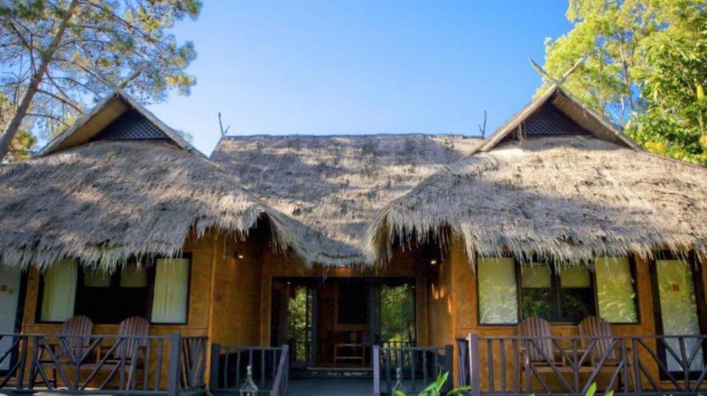 ม้ง ฮิลล์ไทรบ์ ลอดจ์ (Hmong Hilltribe Lodge)