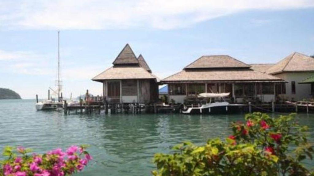 สลักเพชร รีสอร์ท (Salakphet Resort)