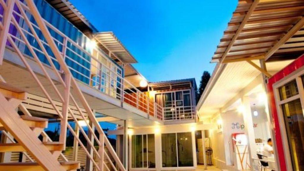 ฮิปบ๊อกซ์ 26 บูติกรีสอร์ท สุราษฎร์ธานี (Hip Box 26 Boutique Resort Suratthani)