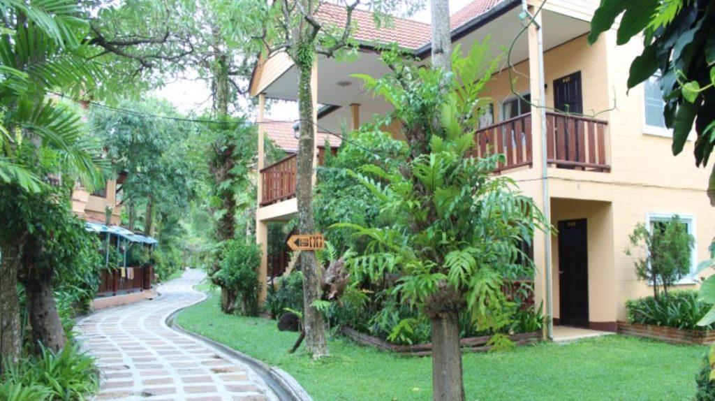 เกาะช้าง แกรนด์ คาบาน่า โฮเต็ล แอนด์ รีสอร์ท (Koh Chang Grand Cabana Hotel & Resort)